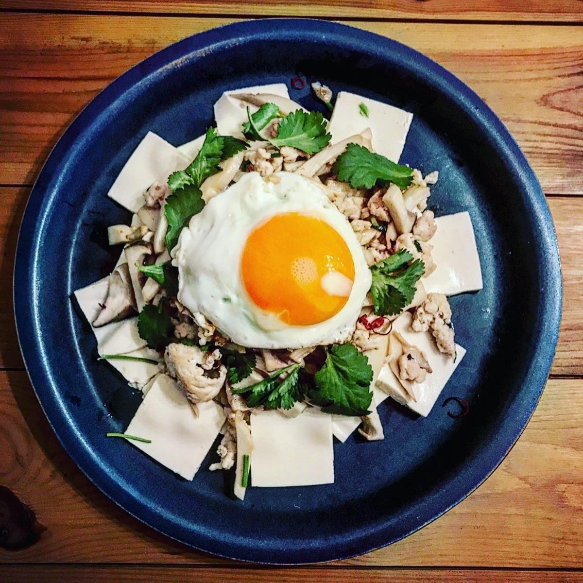 ガパオ・ガイのタイ風塩豆腐
