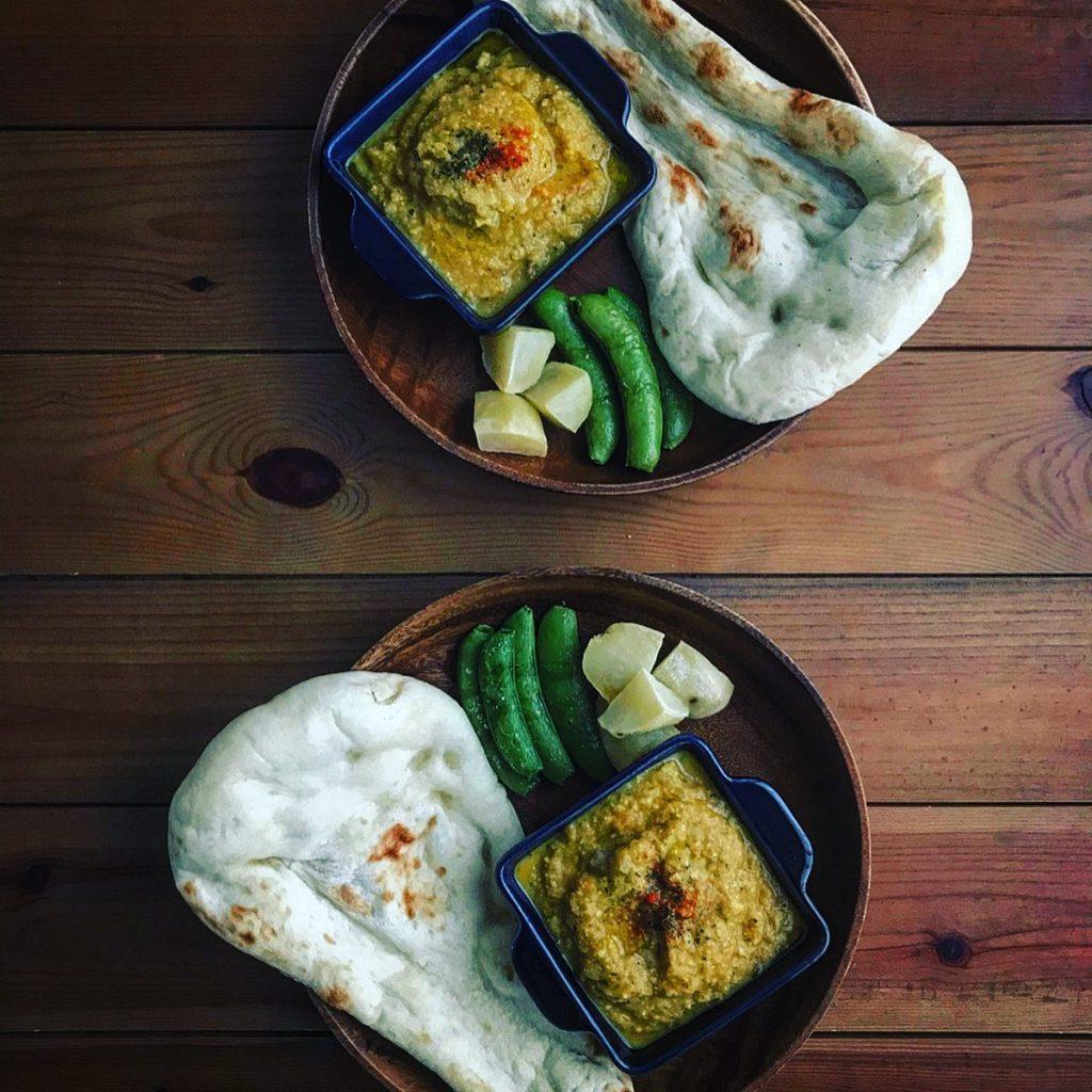 スパイスで作る自家製インド風チキンカレー