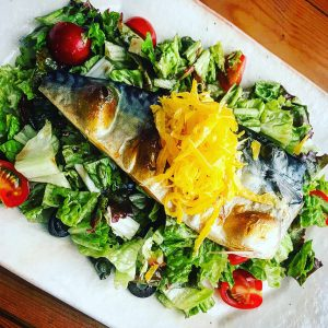 塩サバと錦糸卵のデリ風サラダ