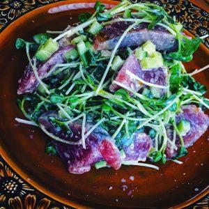 カツオとカイワレのピリ辛サラダ