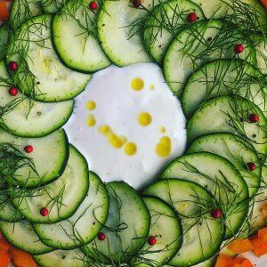 ズッキーニ、パプリカのヨーグルトサラダ