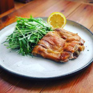 熱燻製で美味しい!鶏もも肉ロースト
